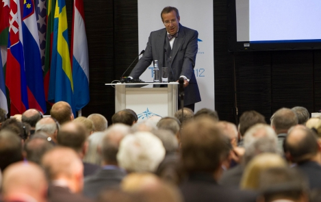 The President of the Republic at the NATO Parliamentary Assembly plenary sitting in Swissôtel Tallinn, 28 May 2012