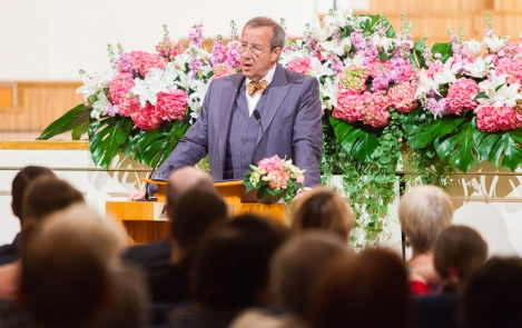 President Toomas Hendrik Ilves on Mother's Day 12 May 2013 at the Estonia Concert Hall