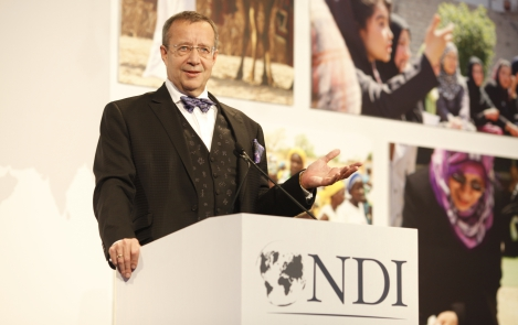 Toomas Hendrik Ilves at NDI 30th Anniversary Democracy Dinner in Washingon D.C, December 10, 2013